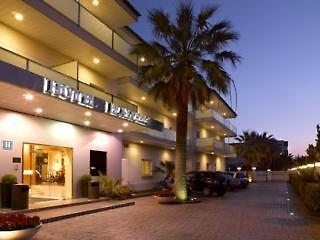 Photo of Hotel Playafels Castelldefels