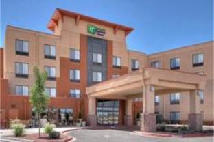 ‪Holiday Inn Express & Suites Albuquerque Old Town‬