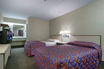 Photo of Red Roof Inn Toledo - University