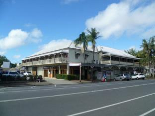The Middle Pub Hotel