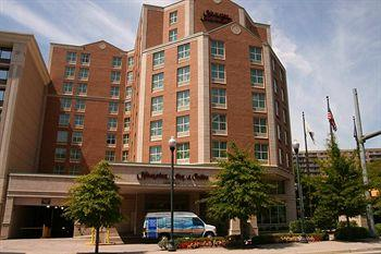 Hampton Inn & Suites Reagan National Airport