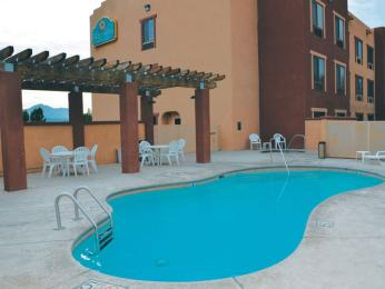 Photo of La Quinta Inn &amp; Suites NW Tucson Marana