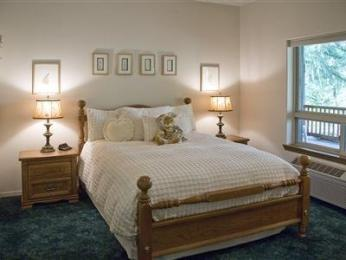 Lobenhaus Bed & Breakfast & Vineyard