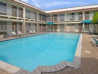 Motel 6 Austin - Midtown