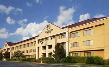 Photo of DoubleTree Suites by Hilton Hotel Nashville Airport