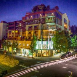 Photo of River's Edge Hotel &Spa Portland