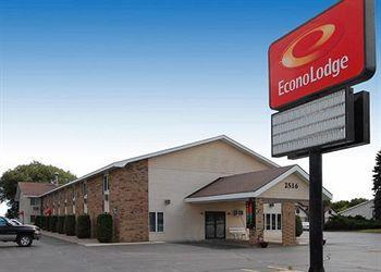 Photo of Econo Lodge On the Bay Menominee