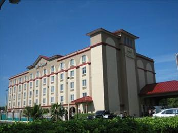 ‪BEST WESTERN Airport Inn & Suites‬