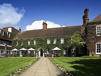 Mercure Farnham Bush Hotel