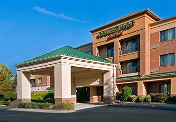 ‪Courtyard by Marriott Durham Research Triangle Park‬