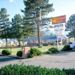 ‪Budget Host Four Winds Motor Lodge‬