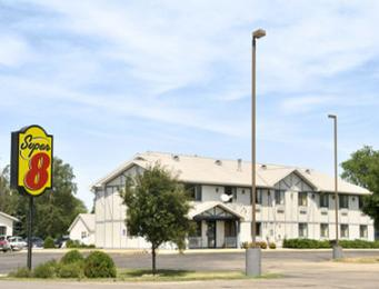 Super 8 Motel - Long Prairie