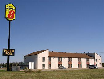 Super 8 Motel Marshall