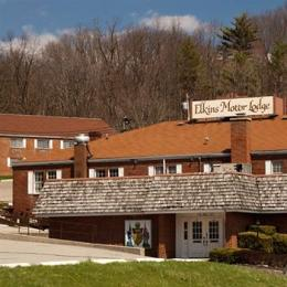 Elkins Motor Lodge