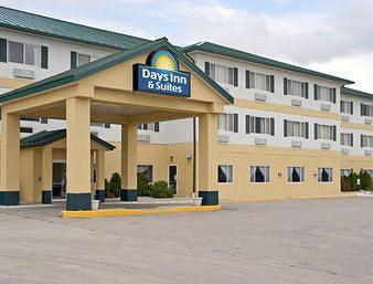 Days Inn & Suites Morris