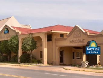 Days Inn & Suites Auburn