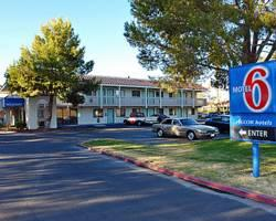 Motel 6 Barstow