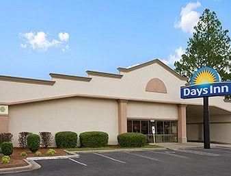 ‪Days Inn Fayetteville - South / I-95 Exit 49‬