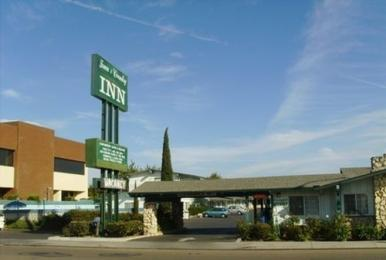 Town & Country Inn