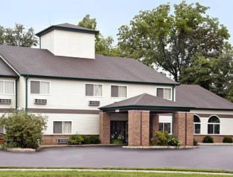 Photo of Budget Inn &amp; Suites  Streator