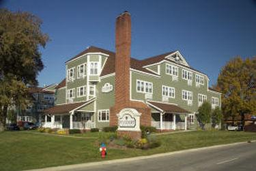 Ivy Court Inn & Suites