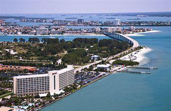 ‪Marriott Suites Clearwater Beach on Sand Key‬