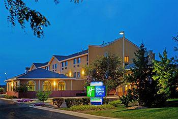 ‪Holiday Inn Express Chicago-Oswego‬