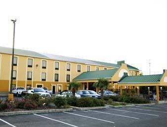 ‪Days Inn And Suites Baton Rouge‬