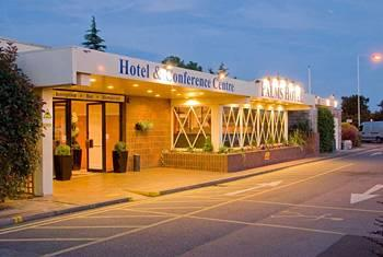 Photo of Palms Hotel Hornchurch