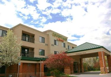 ‪Courtyard by Marriott Traverse City‬