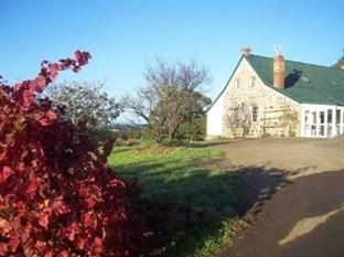 Craigie Knowe Cottage & Vineyard