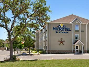 ‪Microtel Inn & Suites by Wyndham San Antonio Airport North‬