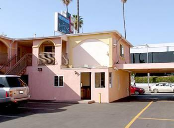 Hollywood Studio Inn & Suites