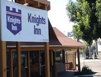 Knights Inn Fresno
