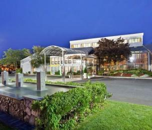 ‪Holiday Inn Hyannis‬