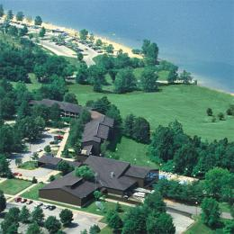 ‪Barren River Lake Resort Lodge and Cottages‬