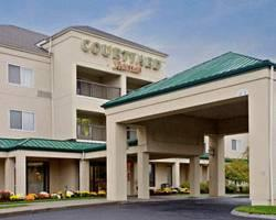 ‪Courtyard by Marriott Raynham‬