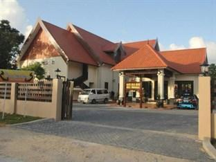 The Manor Beach Resort Besut