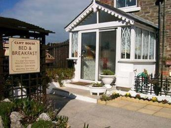 Cliff House B&B & The Moorings Apartments