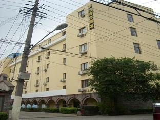 Shenhu Motel 99 (Huamu)