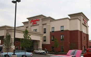 Hampton Inn Detroit Roseville
