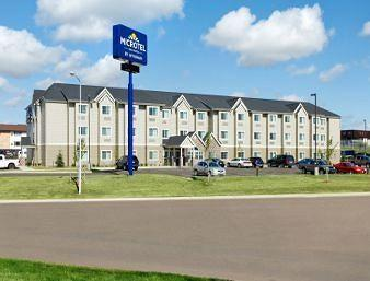 ‪Microtel Inn & Suites by Wyndham Dickinson‬