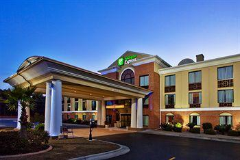Holiday Inn Express Hinesville
