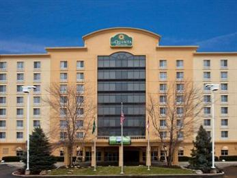 La Quinta Inn & Suites Cincinnati Sharonville