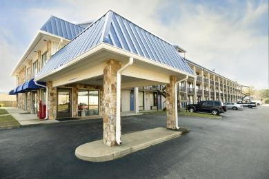 Photo of Daybreak Suites Extended Stay Dothan