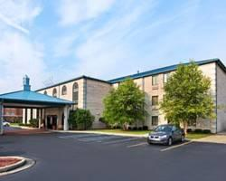 Baymont Inn & Suites Indianapolis Airport / Plainfield