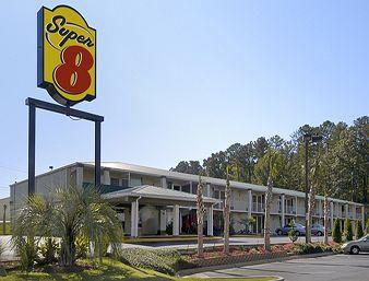 Super 8 Milledgeville