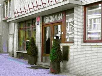 Pension 44
