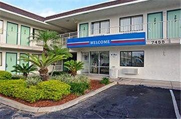 ‪Motel 6 Orlando Kissimmee Main Gate West‬