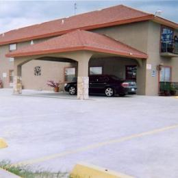 Camino Real Hotel